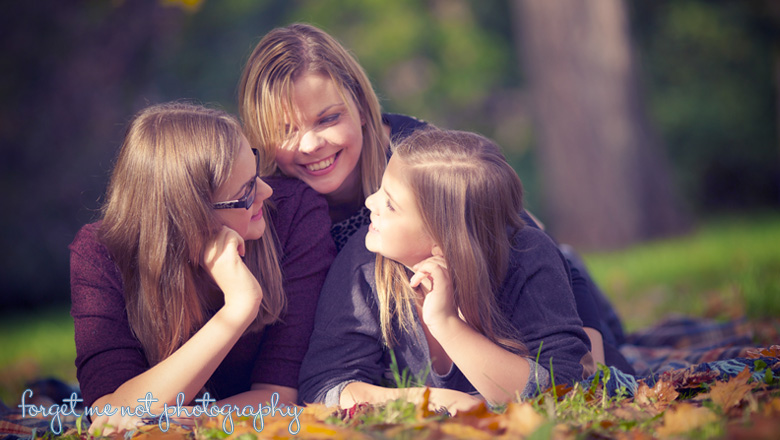 mum and daughters photography